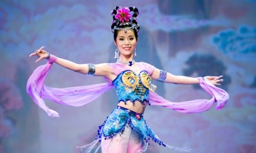 Shen Yun Costumes - heaven beauty